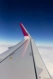 飞机在翼的靠窗座位视图,飞行 库存照片