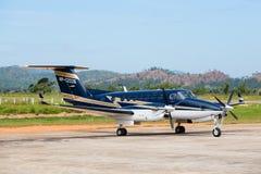 飞机在Busuanga机场在海岛Coron,菲律宾 免版税库存图片