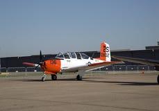飞机在CAF WWII飞行表演达拉斯行政机场 免版税图库摄影