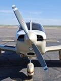 飞机接近的鼻子推进器 免版税库存图片