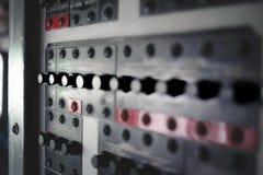 飞机有显示、按钮和仪器的驾驶舱设备 免版税库存照片
