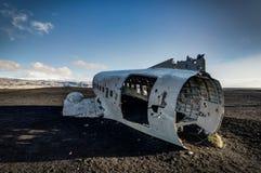 飞机残骸在黑沙子海滩的Solheimasandur冰岛 库存照片