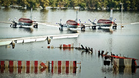 飞机淹没水 免版税库存照片