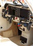 飞机现代驾驶舱的光 库存图片