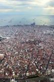 从飞机的伊斯坦布尔地平线 免版税库存照片