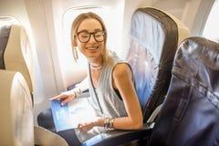 飞机的妇女 图库摄影