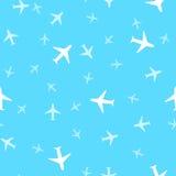 飞机的无缝的背景样式在天空的 传染媒介不适 免版税库存图片