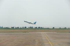 飞机的机场采取了珠海 免版税库存图片