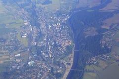 从飞机的看法在布拉格的郊区 图库摄影