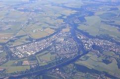 从飞机的看法在布拉格的郊区 免版税图库摄影