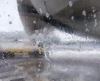 飞机的除冰器,除冰飞机空运 库存照片