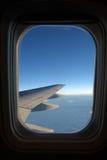 飞机窗口 免版税库存图片