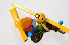 飞机背景查出的玩具白色 库存图片
