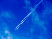 飞机蒸气足迹 免版税库存图片