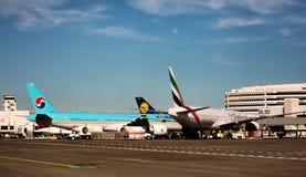 飞机西雅图-塔科马国际机场 库存图片