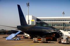 飞机货物装载 库存照片