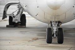 飞机轮子 免版税库存图片