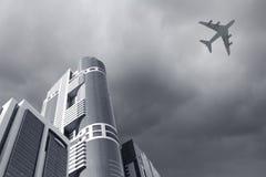 飞机飞行查出的photoshop 库存照片
