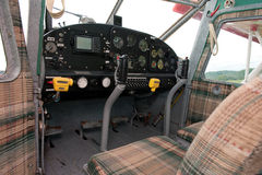飞机驾驶舱葡萄酒 免版税库存照片