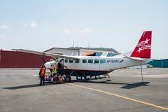 飞机,赛斯纳208B盛大有蓬卡车前空气巴拿马在巴拿马 库存图片