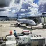 飞机离开搭乘 库存图片