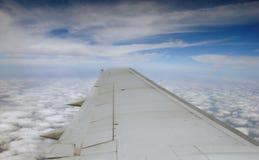 飞机cloudscape翼 免版税图库摄影