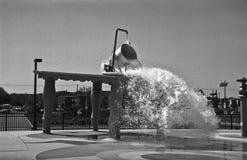 水飞溅吸引力 免版税图库摄影