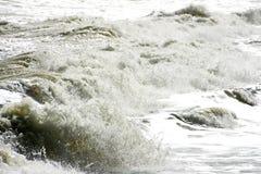 飞溅波浪在安大路西亚西班牙 库存照片