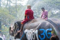 飞溅节日的水在泰国 免版税库存图片