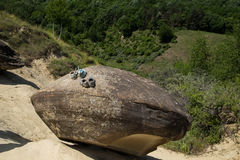 飞碟石头乘驾 免版税图库摄影