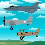 飞行与云彩刺绣一起的3架军用飞机 免版税库存图片