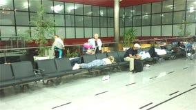 飞行乘客等待 股票视频