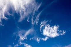 飞行云彩 库存图片