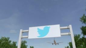 飞行在与慌张,公司的广告广告牌的飞机 徽标 回报4K夹子的社论3D 股票录像