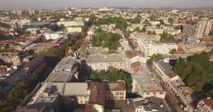 飞行在傲德萨市-黑海的镇上 股票视频