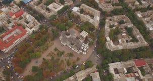 飞行在傲德萨市-黑海的镇上 股票录像