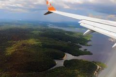 飞行在戈尔公司航空公司 免版税库存照片