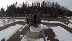 飞行在战争纪念建筑由路 股票录像