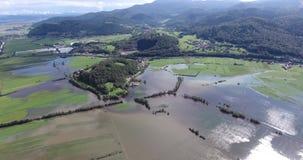 飞行在洪水区域 影视素材