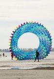 飞行形象风筝:海胆被塑造在阿德莱德Internatio 免版税图库摄影
