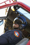 飞行救伤直升机飞行员 库存照片