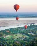 飞行气球12月4日 库存图片