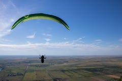 飞行滑翔伞 图库摄影