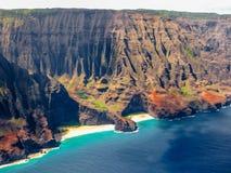 从飞行的看法:Na梵语海岸, Kawaii,夏威夷 图库摄影