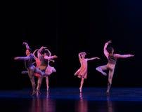 飞行的自古典芭蕾` Austen汇集` 图库摄影