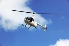 飞行直升飞机营救 图库摄影
