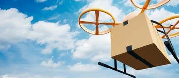 飞行空的工艺箱子的照片黄色普通设计现代遥控空气寄生虫在都市表面下 蓝色覆盖天空 免版税库存照片