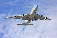 飞行航空器 免版税库存照片