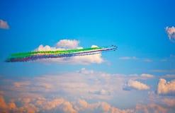 飞行表演在一个夏日 免版税图库摄影