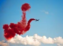飞行表演在一个夏日 免版税库存图片